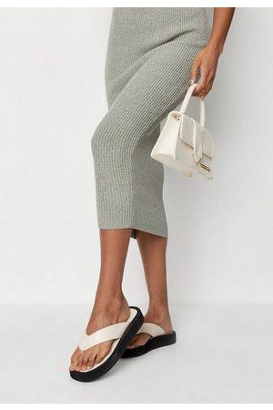 Missguided Women Sandals - Sand Thong Flatform Sandals, Camel