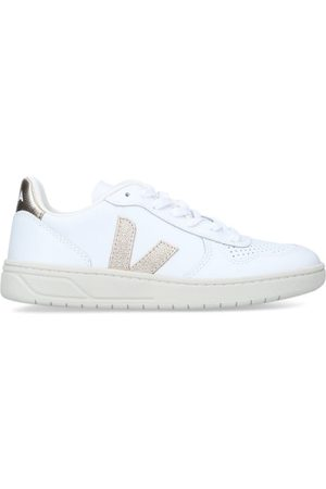 Veja Women Trainers - Leather V-10 Sneakers
