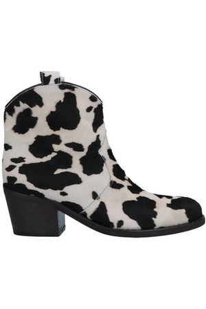 Via Roma Women Ankle Boots - FOOTWEAR - Ankle boots