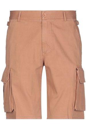 ADDICTION TROUSERS - Bermuda shorts