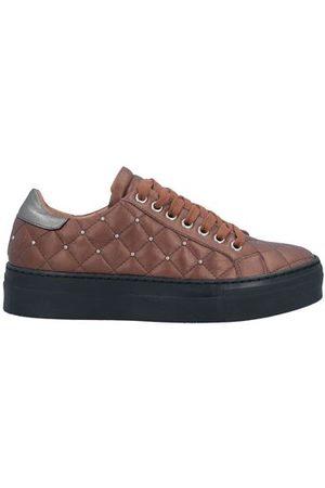 EBARRITO FOOTWEAR - Low-tops & sneakers
