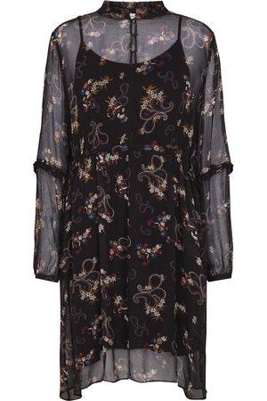 Second Female Violet Dress