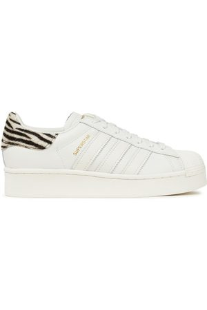 ADIDAS ORIGINALS Woman Superstar Calf Hair-trimmed Textured-leather Platform Sneakers Off- Size 4