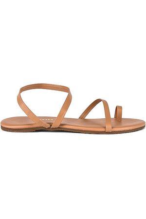 Tkees Mia Napa Sandal in . Size 9.