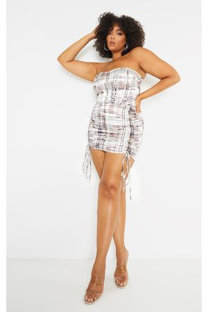 PRETTYLITTLETHING Plus Abstract Print Satin Ruched Skirt