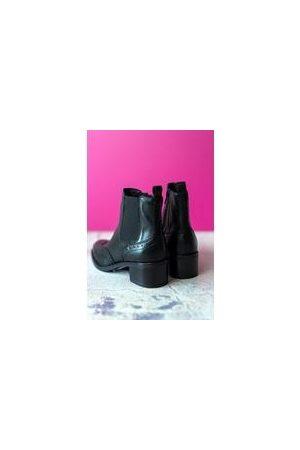 Cara Women Boots - Harrogate Boot