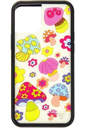 Wildflower 12/12 Pro Case in .