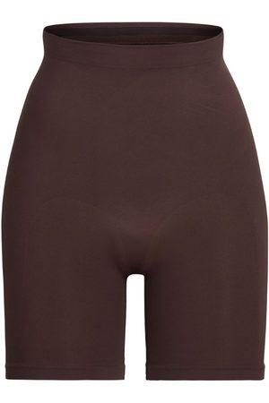 SKIMS Mid-Thigh Sculpting Shorts