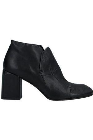 IXOS FOOTWEAR - Shoe boots