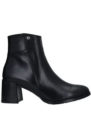 Roberto Botticelli Women Ankle Boots - FOOTWEAR - Ankle boots