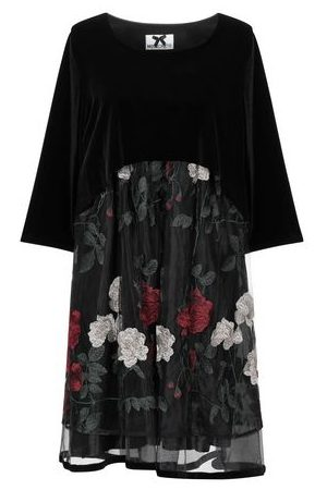 NO SECRETS DRESSES - Short dresses