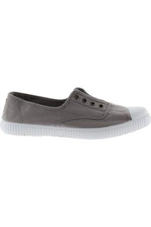 victoria Shoe DORA S21 106623 No Lace Plimsoll Gris