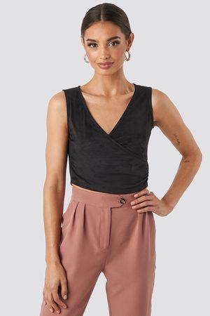 NA-KD Women Crop Tops - Wrap Sleeveless Crop Top - Black