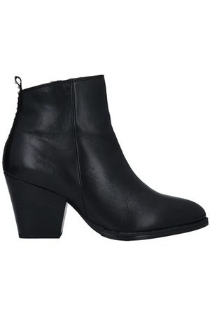 OROSCURO FOOTWEAR - Ankle boots