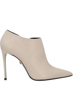 LE SILLA Women Boots - FOOTWEAR - Shoe boots