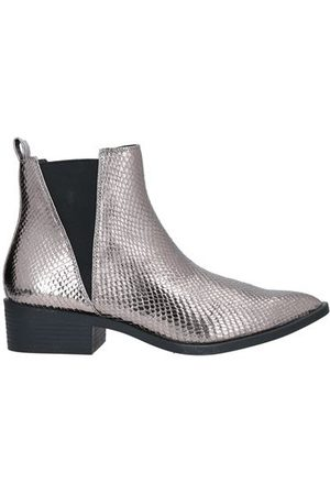 COLORS OF CALIFORNIA FOOTWEAR - Ankle boots