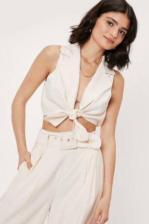 NASTY GAL Womens Sleeveless Tie Front Plunging Cropped Shirt