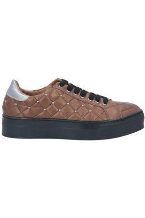 EBARRITO Women Trainers - FOOTWEAR - Low-tops & sneakers