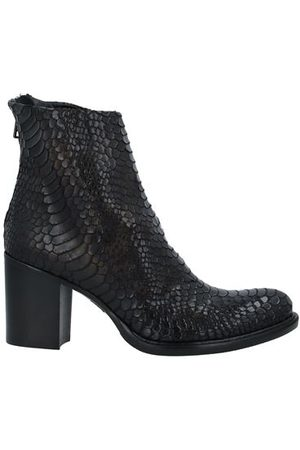 Strategia Women Ankle Boots - FOOTWEAR - Ankle boots