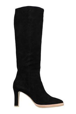 Lola Cruz FOOTWEAR - Boots