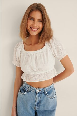 NA-KD Women Crop Tops - Anglaise Cropped Top - White
