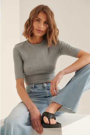 NA-KD Women Crop Tops - Recycled Round Neck Ribbed Crop Top - Grey