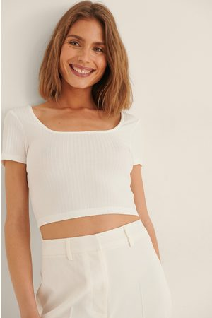 NA-KD Recycled Deep Round Neck Rib Short Sleeve Crop Top - Offwhite