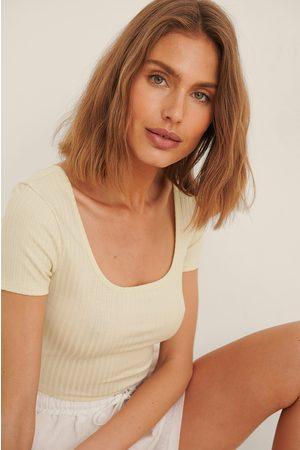 NA-KD Women Crop Tops - Recycled Deep Round Neck Rib Short Sleeve Crop Top - Beige