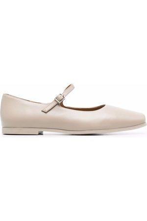 12 STOREEZ Square-toe ballerina shoes - Neutrals