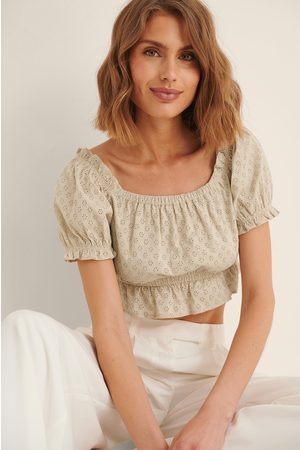 NA-KD Women Crop Tops - Organic Anglaise Cropped Top - Beige