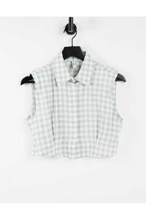 Only Cropped sleeveless shirt in neutral gingham