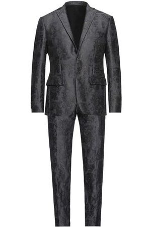 FRANKIE MORELLO Men Blazers - SUITS AND JACKETS - Suits