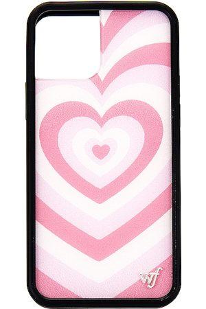 Wildflower IPhone 12/12 Pro Case in .