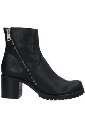 ALBERTO GUARDIANI Women Ankle Boots - FOOTWEAR - Ankle boots