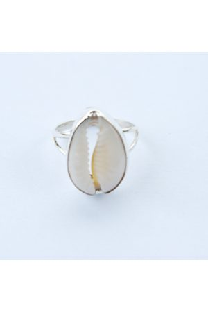 Bon Bon Fistral Cowrie Ring