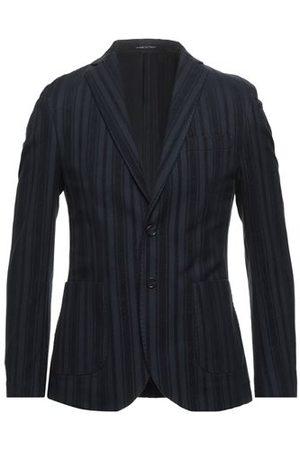 EXIBIT SUITS AND JACKETS - Suit jackets