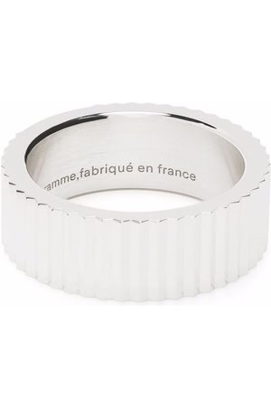 Le Gramme Rings - Guilloché vertical ribbon ring