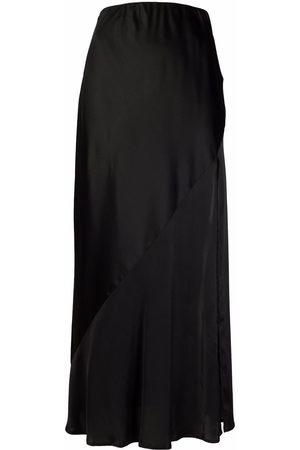 12 STOREEZ Side-slit skirt