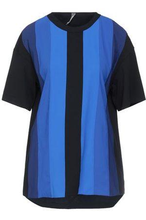 NO KA' OI Women Short Sleeve - TOPWEAR - T-shirts