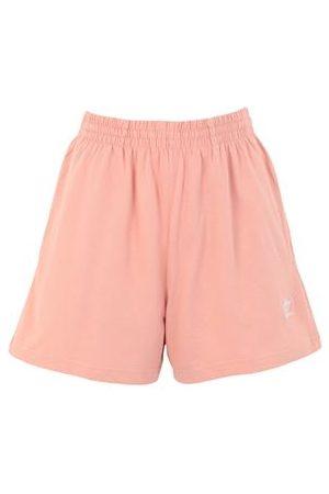 adidas BOTTOMWEAR - Shorts & Bermuda Shorts