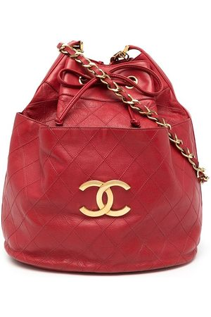 Chanel Pre-Owned 1990 diamond-quilted CC bucket shoulder bag