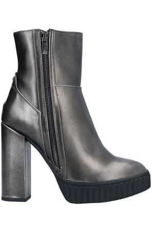 Guess FOOTWEAR - Ankle boots