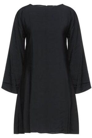 NA-KD DRESSES - Short dresses