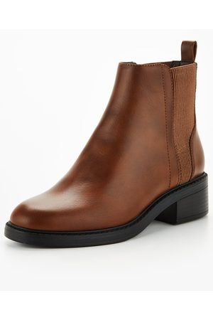 Very Flat Chelsea Boot