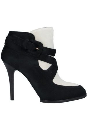 Tod's Women Ankle Boots - FOOTWEAR - Ankle boots