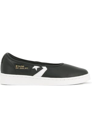 Converse PRO LEATHER SLIP-ON SNEAKERS