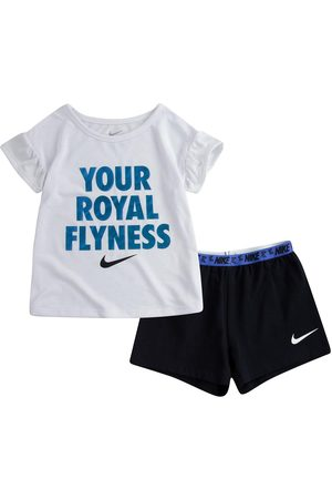 Nike Younger Girls Lil Bugs Butterfly Short Sleeve T-Shirt And Shorts Set