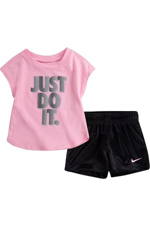 Nike Younger Girl Graphic T-Shirt And Shorts 2 Piece Set - Pink/