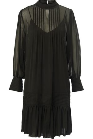 JOOP! Dress long sleeves and a sewn-on ruffle size: 8
