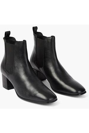 Levi's Delilah Chelsea Boots
